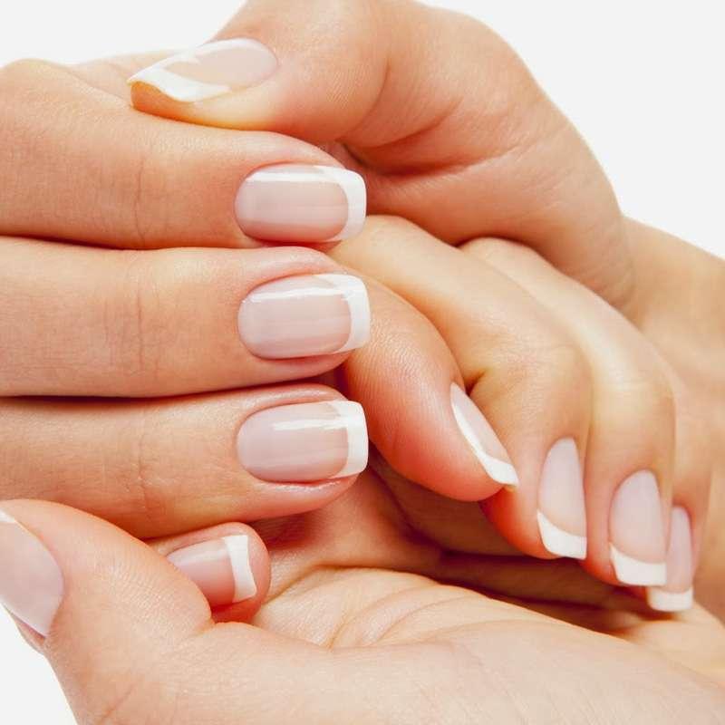 servizio di ricostruzione unghie
